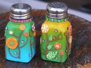 Salz und Pfefferstreuer im gleichen Design