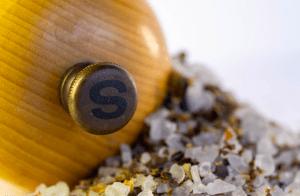 Salzmühle aus Holz